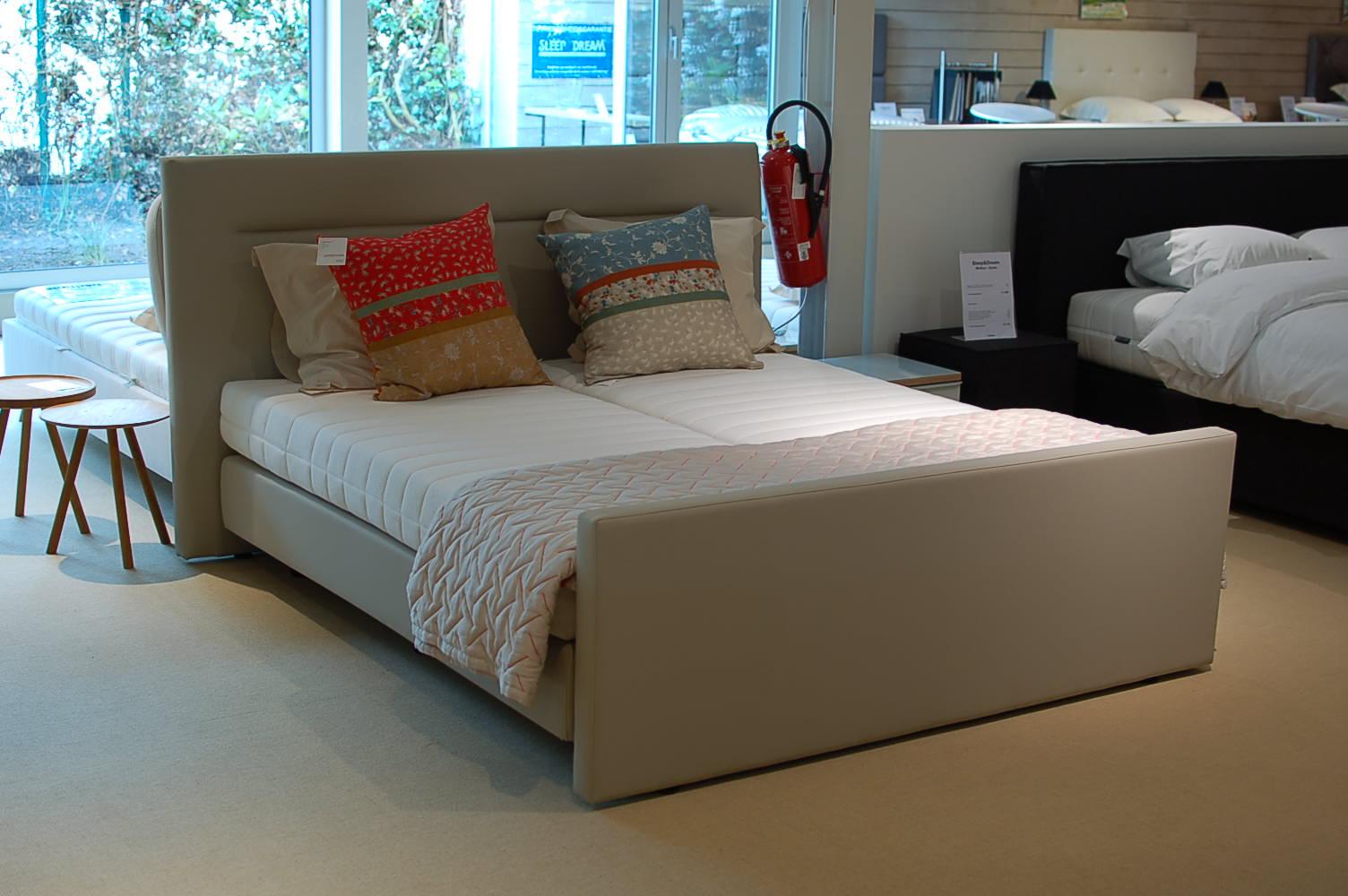 boxspring barones eetkamer. Black Bedroom Furniture Sets. Home Design Ideas